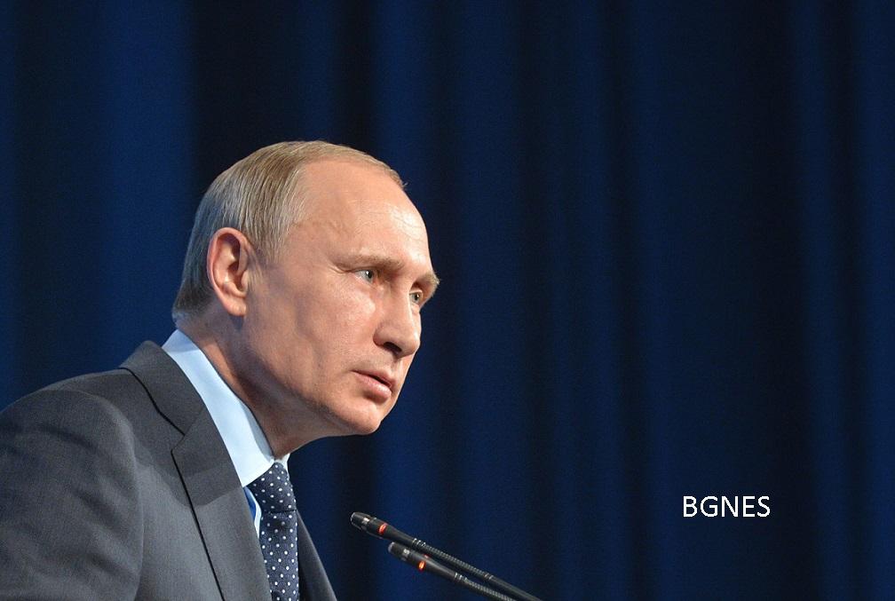 epa04841233 Russian President Vladimir Putin speaks at the press conference after BRICS and SCO (Shanghai Cooperation Organisation) summits in Ufa, the capital of Bashkortostan republic, Russia, 10 July 2015. Ufa hosted the BRICS (Brazil, Russia, India, China and South Africa) and SCO (Shanghai Cooperation Organisation) summits on 08-10 July.  EPA/ALEXEY DRUGINYN  / RIA NOVOSTI / MANDATORY CREDIT