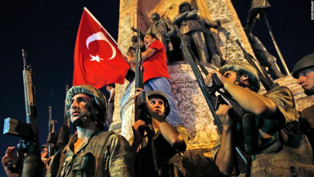 160715182718-14-turkey-coup-0715-super-169
